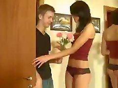 Geil russischer Schlampe Olga Schwarze mag anal