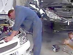 Putains marocains putain de dans un garage à