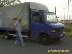 Alman genç çift penetrasyonu için aldı