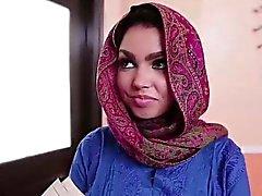 Грудастая подросток получает Арабская груза теплой Кончить