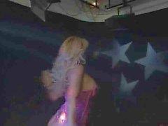 A Milly D'Abbraccio - di classe biondi ballare Sesso con suocera sulla fase