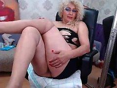 Blonde chubby nerdy masturbates and cum on webcam