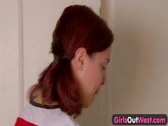 Девушки на запад & русской dash_ Овощи в своего волосистой любительского киске