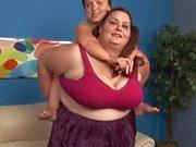 Fat brunette woman 69s with her midget friend