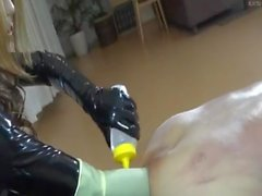 Asian Domme Elbow profonda con pugni