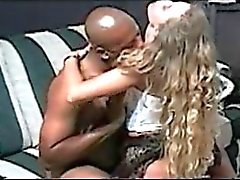 Moglie blonde Southern si fa scopare e la creampied dalla uomo di colore
