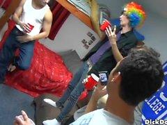 Nude homo boyz recebe ameaçado
