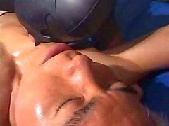 Japonlar Twink Bir Cage ( eşcinsel amatörler ) olarak ağız kenarlı And Fucked döndürür