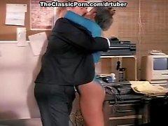 Ashlyn Gere Joey Silvera bei classic Pornolegende Joey