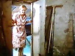 yodeling är inte bara i Dirndl 1977