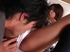 Asian Babe mit großen Titten