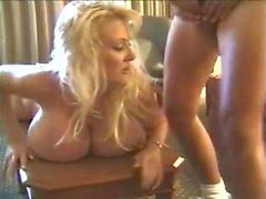 Kayla Kleevage - Große Brüste Queens Of Kink