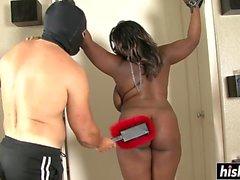 Ebony BBW wird verprügelt und knallte