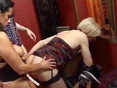 Annap british milf porn star escort travestis orgy pt 4.