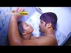 Bollywood Masala bath scene - Indian Porn Videos