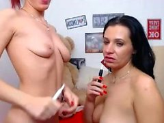 Amateur french whore toying her asshole on webcam