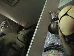 Frau fing auf versteckte cam
