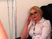 CFNM блондинка на вспышки груди