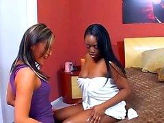 Lesbian ebony bbw pussy toying