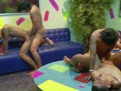 Азии действия Искушение порно с государствами Азии Мальчики 4some
