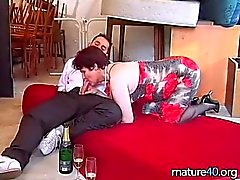 Geschlechts mit einer alten Frau nach der Champagne