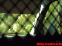 Spex teen dominiert in der Rückseite des van
