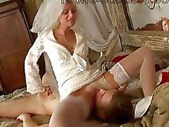 Kåt brud dominerar över hennes nya fästman