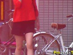Japanische Teenager hos pissing
