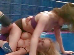 Mandy Dee vs Tiffany Doll