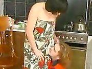 Возбужденный русский матери и сантехник
