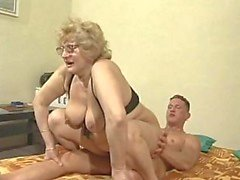 Gözlük Granny