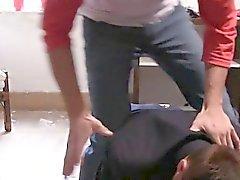 caps universitarios Str8 atrapados en la cinta de mierda