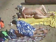 2 çiftler plaj