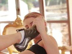 Hot Legs And Feet - Szene 2 - DDF Productions
