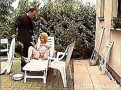 Grasa Rubia Gets Nookie al aire libre