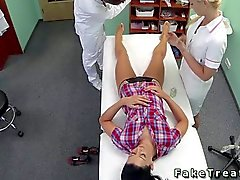Nurse and el médico maldito del paciente