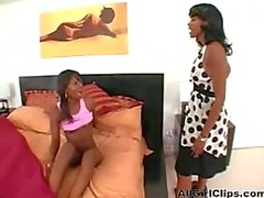 Black Mature Mom And Not Haar Teen Dochter lesbische