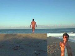Ravikundy Plajı'nda çıplak