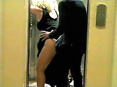 Байс inatendue Даны Ь Ascenseur