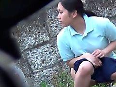 Calurosos bebés asiáticos pissing públicas