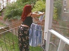 Sexy Aikuinen Vaimo hyökkäsi Vaikka Hanging Pesula - Cireman