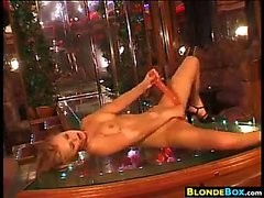 Dirty Blonde una ragazza masturbano