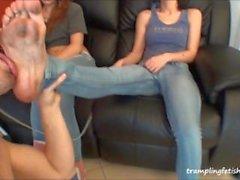Dirty Füße Jeans