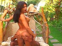 Milena Vendramine Warmes Küken mit einem Schwanz !