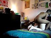 006911 dunkler Kerl boning eine attraktive helle Frau mit riesigen