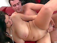 Shaved bbw Reny with big naturals gets banged