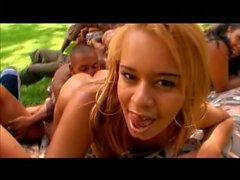 Big Bubble Butt Brasilianische Orgie 12 DVDRip