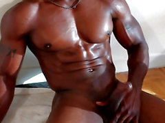 Dark bigcock fitness hunk solo jerkoff
