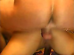 Bisex sluts dello stripper DP scopata e crema in foursome