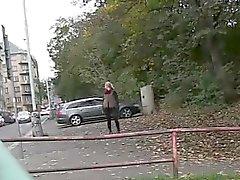 Hot ass jogging girl taking a piss outdoor